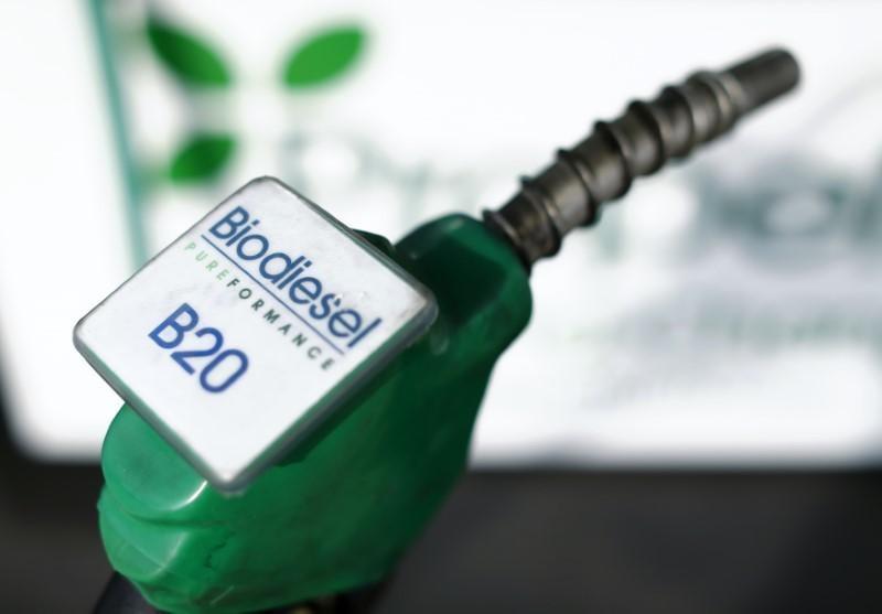 https: img.okeinfo.net content 2018 09 14 320 1950387 angkutan-darat-kompak-janji-gunakan-bahan-bakar-biodiesel-20-dQmnOkeqDS.jpg