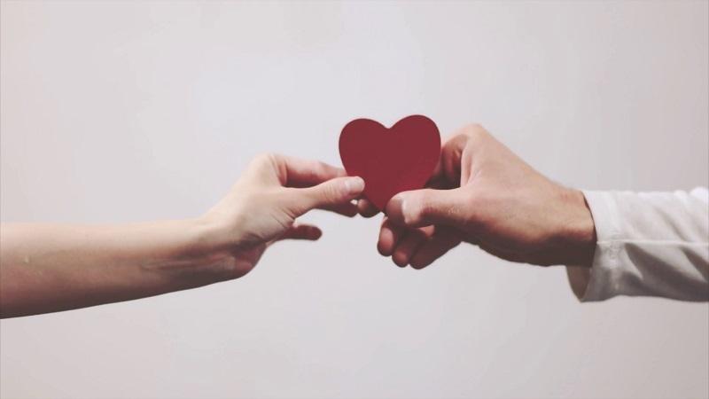 https: img.okeinfo.net content 2018 09 16 196 1951226 ada-7-jenis-cinta-mana-yang-paling-menggambarkan-hubungan-anda-blQ0uVlnIC.jpg