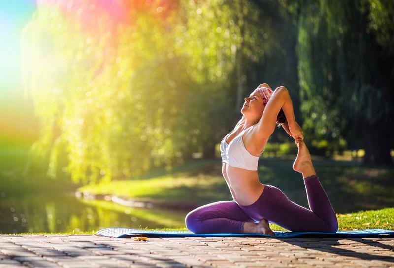 https: img.okeinfo.net content 2018 09 16 481 1951263 benarkah-yoga-membangkitkan-gairah-seksualitas-ini-jawabannya-2KVOh6bb03.jpg