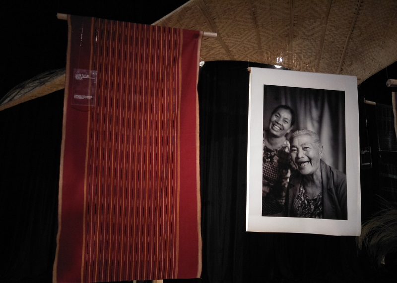 https: img.okeinfo.net content 2018 09 19 194 1952819 menelisik-tatanan-hidup-suku-batak-lewat-kain-tradisional-di-museum-tekstil-jakarta-PMqdeXELNv.jpg