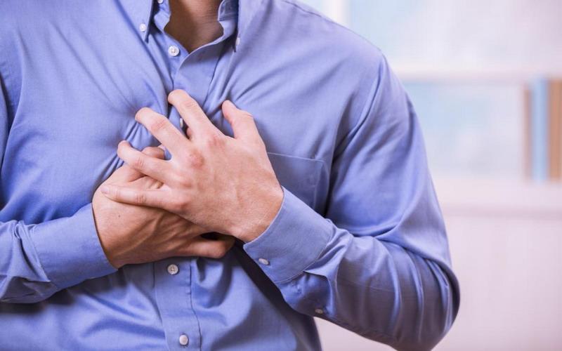 https: img.okeinfo.net content 2018 09 28 481 1956814 lezat-tapi-ayam-pedas-berlevel-martabak-super-manis-berisiko-penyakit-jantung-bC4w6UUA7S.jpg