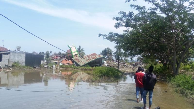 https: img.okeinfo.net content 2018 10 02 340 1958801 gempa-tsunami-palu-istri-saya-belum-ditemukan-kondisi-sedang-hamil-ys5iRmDZdc.jpg