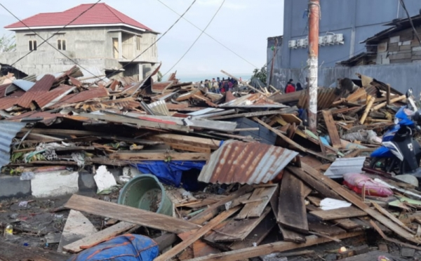 https: img.okeinfo.net content 2018 10 06 337 1960575 2-736-sekolah-di-sulteng-rusak-dan-hancur-total-akibat-gempa-tsunami-ZLsK25un0r.jpg