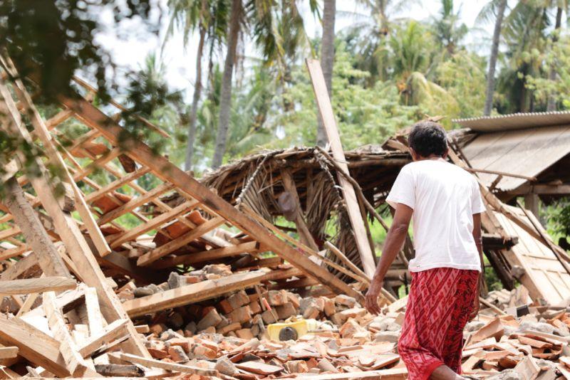 https: img.okeinfo.net content 2018 10 08 481 1961135 pasca-gempa-dan-tsunami-6-fokus-kesehatan-jadi-sasaran-kemenkes-ulBcKfH6Sw.jpg