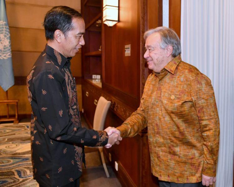 https: img.okeinfo.net content 2018 10 11 337 1962688 jokowi-bertemu-sekjen-pbb-hingga-hadiri-asean-leaders-gathering-mer4tQkIX3.jpg
