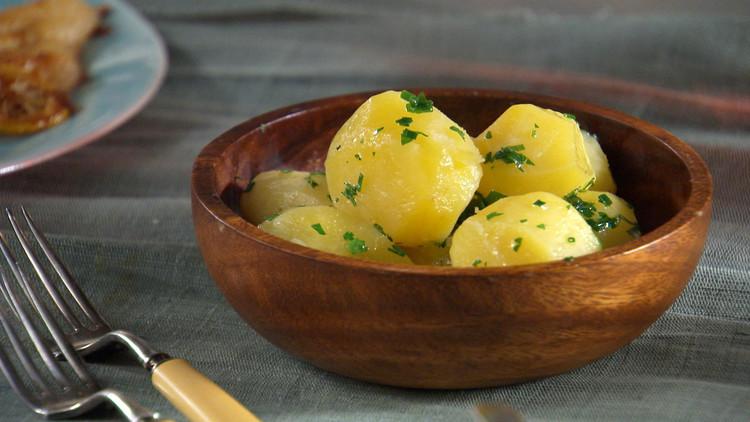 https: img.okeinfo.net content 2018 10 12 298 1963325 tak-selalu-nasi-5-makanan-ini-juga-sumber-karbohidrat-nwHjJ8fHxl.jpg