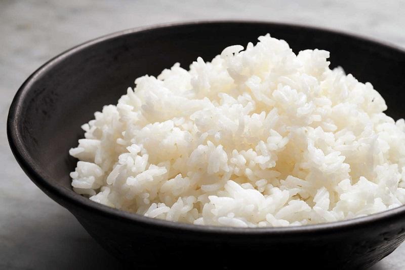 Asal Mula Nasi Bisa Jadi Makanan Pokok Kebanyakan Orang Indonesia
