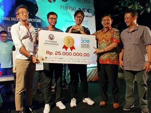 https: img.okeinfo.net content 2018 10 12 65 1962989 juara-tim-itb-wakili-indonesia-di-kompetisi-cyber-tingkat-asean-t5Enq0nbAK.jpg