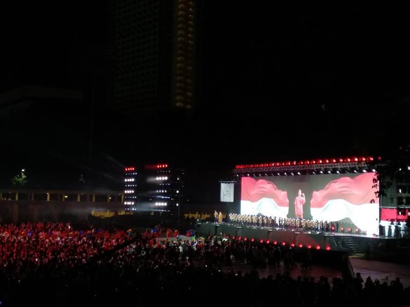 https: img.okeinfo.net content 2018 10 13 43 1963675 parade-bendera-peserta-asian-para-games-2018-awali-upacara-penutupan-qHozZmEIOA.jpeg