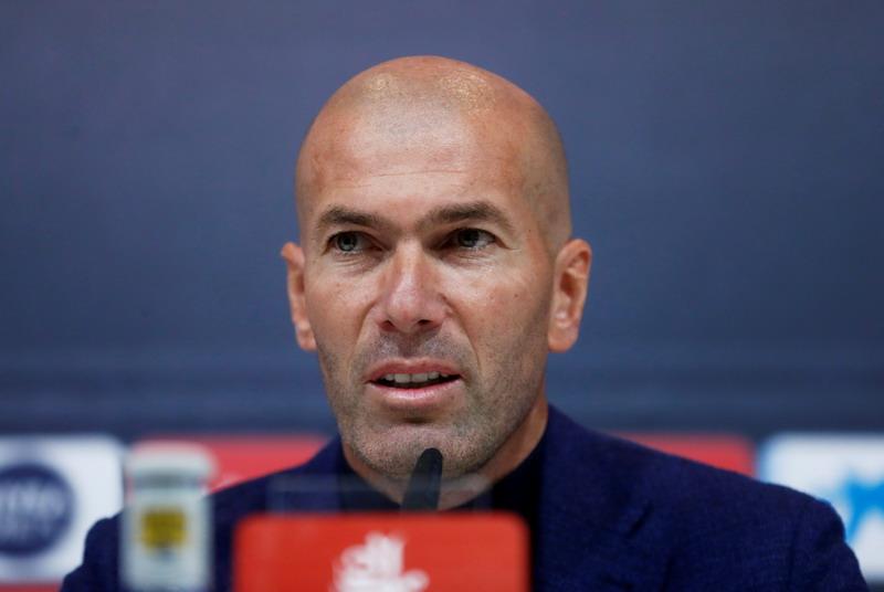 https: img.okeinfo.net content 2018 10 14 45 1963756 zidane-diprediksi-bisa-bawa-gaya-baru-untuk-man-united-CHKvjVlGfz.jpg