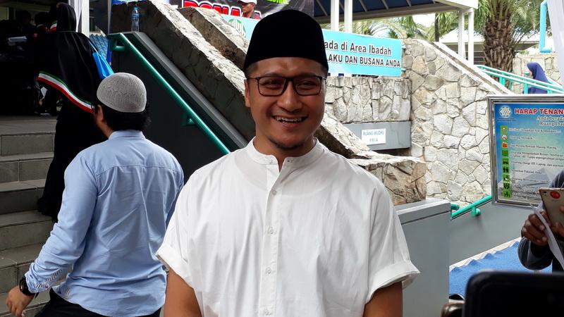 Image Result For Soal Pembakaran Bendera Tauhid Arie Untung Stop Jadi Pembenci