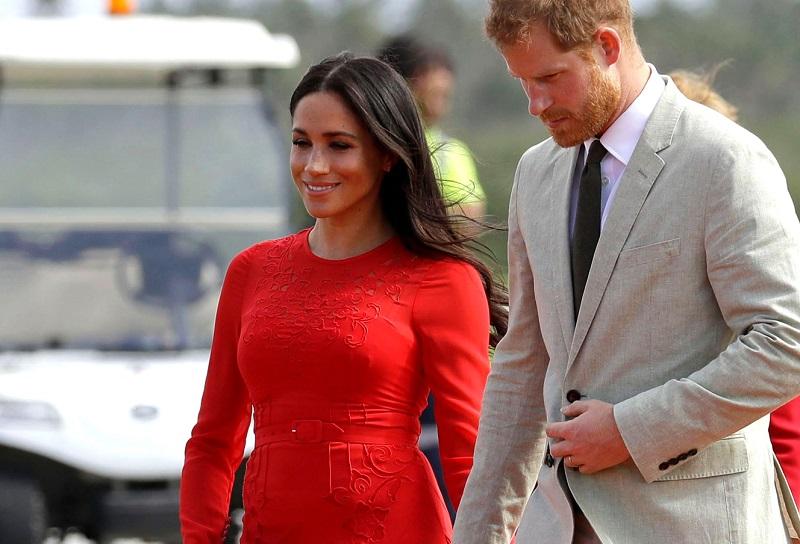 mode itu menyebutkan contoh waktu spesifik saat busana istri Pangeran Harry itu mencuri perhatian.