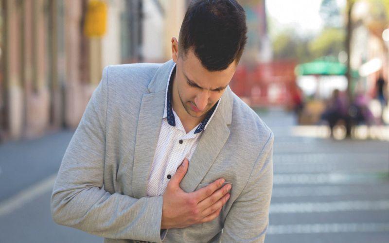 https: img.okeinfo.net content 2018 10 25 481 1968728 6-gejala-kanker-payudara-pada-pria-cara-memeriksanya-fwmGf07zsB.jpg