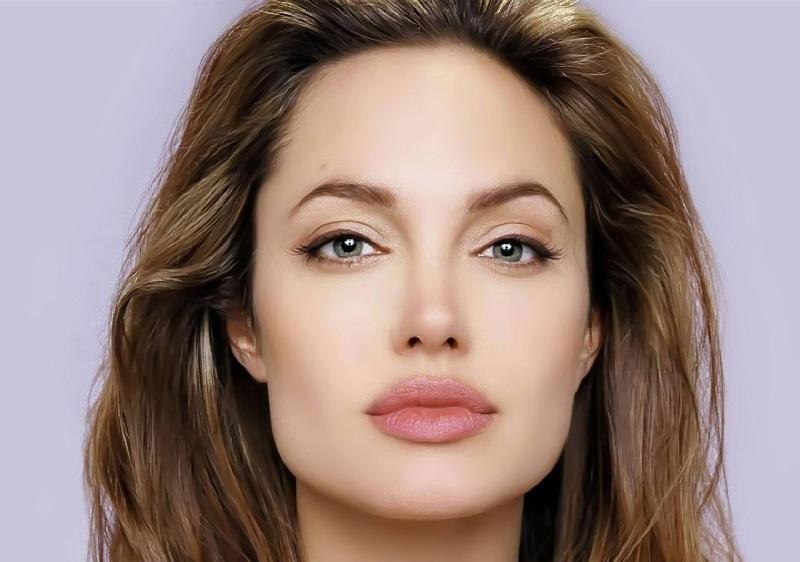 https: img.okeinfo.net content 2018 10 26 194 1969394 bikin-iri-6-wanita-ini-punya-bibir-paling-sensual-di-dunia-cTfpZtiemq.jpg