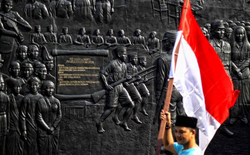 https: img.okeinfo.net content 2018 10 28 337 1970073 sumpah-pemuda-bisa-jadi-benteng-indonesia-dari-perpecahan-lQ9QjMbAbi.jpg