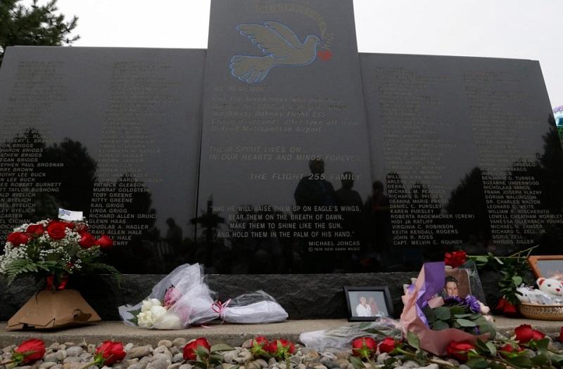 https: img.okeinfo.net content 2018 10 30 196 1971006 mengharukan-inilah-5-kisah-penumpang-yang-selamat-dari-kecelakaan-pesawat-8vsDvT29LM.jpg