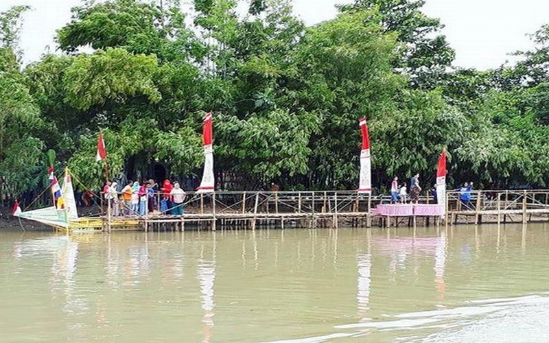 Jalan Jalan Ke Bekasi Wajib Kunjungi Hutan Bambu Yang Lagi Hits