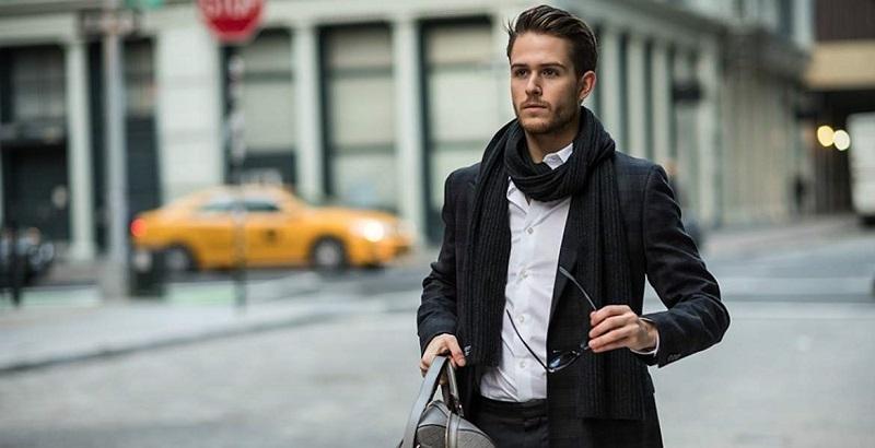 https: img.okeinfo.net content 2018 11 07 194 1974515 pilihan-scarf-untuk-cowok-agar-bisa-tampil-stylish-di-cuaca-dingin-vjSyQtdOKB.jpg