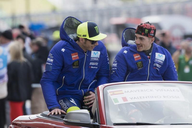Yamaha Tegaskan Tak Beri Perlakuan Khusus kepada Rossi atau Vinales