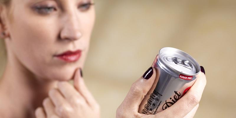 https: img.okeinfo.net content 2018 11 07 481 1974575 bukan-legakan-dahaga-minuman-soda-justru-bikin-dehidrasi-PcDzmvriEK.jpg
