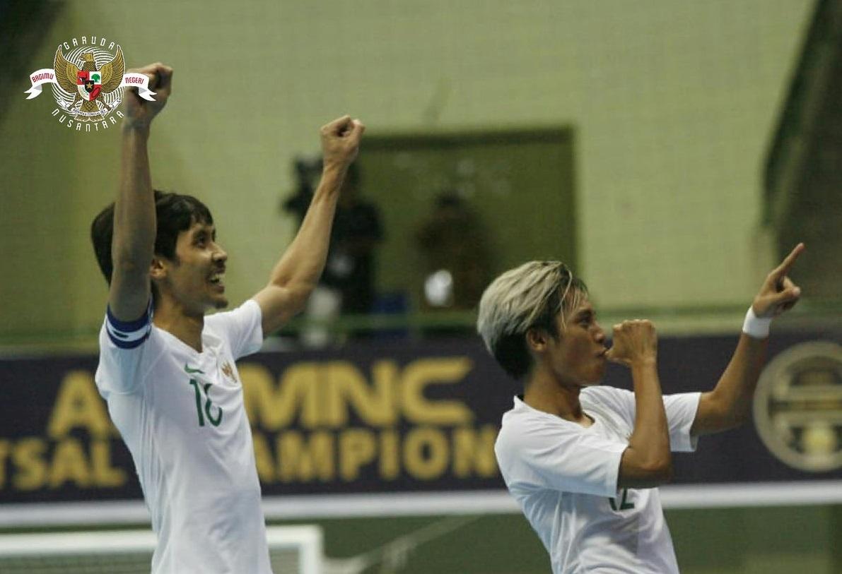 https: img.okeinfo.net content 2018 11 07 51 1974741 timnas-futsal-indonesia-hadapi-thailand-di-semifinal-piala-aff-futsal-2018-IPsda6zCYo.jpg