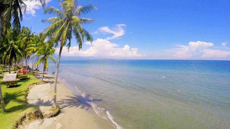 https: img.okeinfo.net content 2018 11 08 406 1975209 bikin-takjub-ini-4-pantai-di-sulbar-yang-kondang-keindahannya-h9Oh49vJjZ.jpg