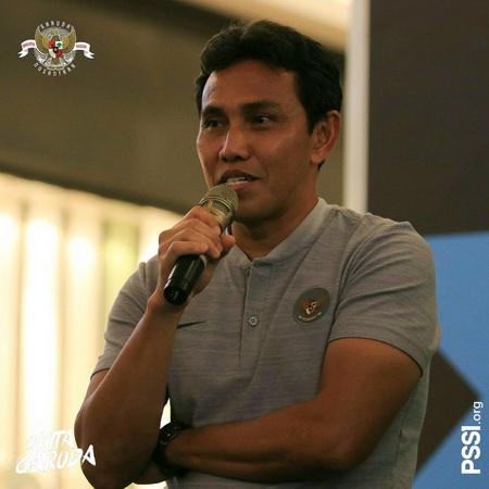 https: img.okeinfo.net content 2018 11 08 51 1975165 eks-pelatih-filipina-ragukan-kualitas-bima-sakti-bersama-timnas-indonesia-2kFoEDUNCT.jpg