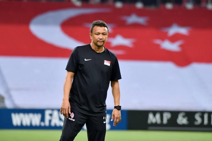 https: img.okeinfo.net content 2018 11 09 51 1975478 fandi-ahmad-minta-suporter-penuhi-stadion-saat-singapura-jamu-indonesia-Z3Bx3JqLUg.jpg