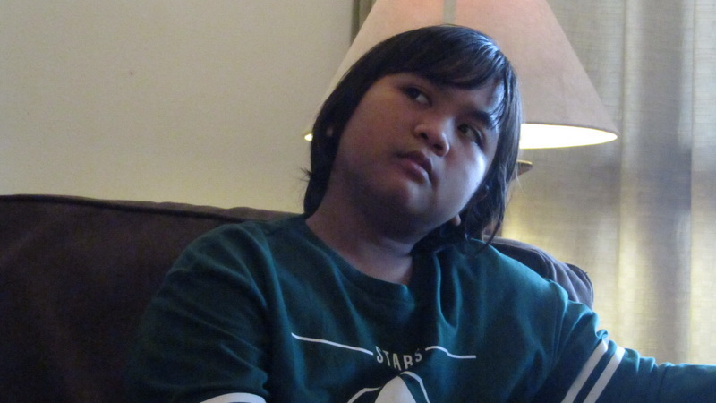 https: img.okeinfo.net content 2018 11 09 598 1975678 gogo-kenang-momen-bersama-mendiang-ibunda-di-panggung-indonesian-idol-junior-MY3PsF7yMl.jpg