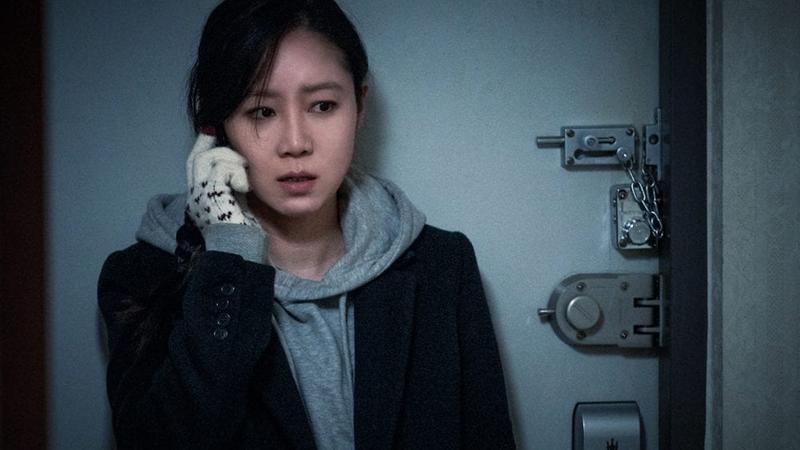 https: img.okeinfo.net content 2018 11 10 598 1976090 gong-hyo-jin-ungkap-hal-mencekam-dalam-film-terbarunya-door-lock-2GNECAolwI.png