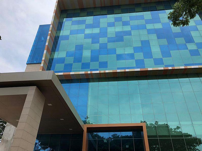 https: img.okeinfo.net content 2018 11 10 65 1975957 kampus-ini-miliki-gedung-multimedia-baru-intip-kemegahannya-e2mUCgUije.jpg