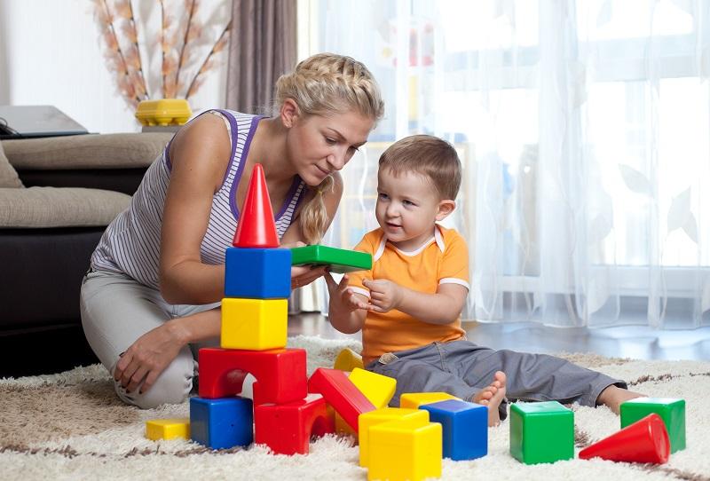 https: img.okeinfo.net content 2018 11 15 196 1978334 penting-untuk-orangtua-mainan-anak-konvensional-lebih-baik-daripada-mainan-digital-n6qFSM03mD.jpg