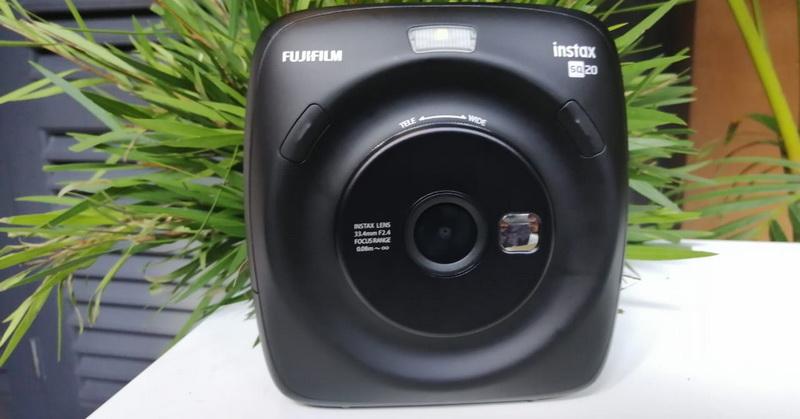 https: img.okeinfo.net content 2018 11 15 57 1978280 fujifilm-hadirkan-kamera-instax-square-sq20-dukung-mode-gerak-oBqDVS03cT.jpg