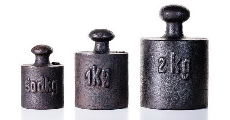 https: img.okeinfo.net content 2018 11 16 56 1978700 berat-1-kg-saat-ini-berbeda-dengan-1-kg-di-2019-saatnya-ganti-timbangan-hi8sKmmmkj.jpg