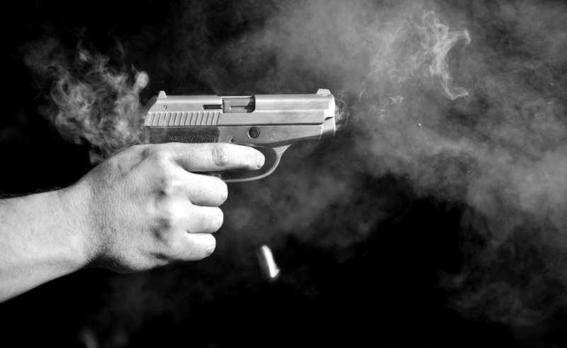 https: img.okeinfo.net content 2018 11 22 340 1980965 cekcok-karena-utang-oknum-polisi-tak-sengaja-tembak-perut-seorang-pria-blVDgg64km.jpg