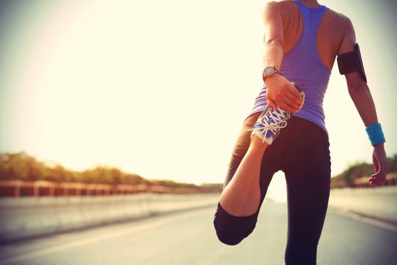 https: img.okeinfo.net content 2018 11 22 481 1981300 pelari-pemula-terutama-wanita-disarankan-bangun-rutinitas-sebelum-ikut-maraton-tMRngd1yxU.jpg