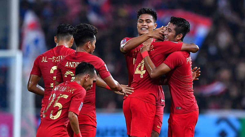 https: img.okeinfo.net content 2018 11 25 51 1982634 hasil-pertandingan-timnas-indonesia-vs-filipina-di-piala-aff-2018-eWAMeF6Sn7.jpg