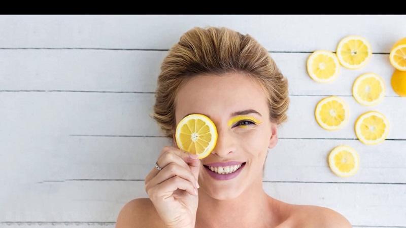https: img.okeinfo.net content 2018 11 26 611 1983017 cocok-untuk-semua-jenis-kulit-hingga-sensitif-intip-racikan-masker-lemon-mudah-dibuat-JPFJzQ0tRn.jpg
