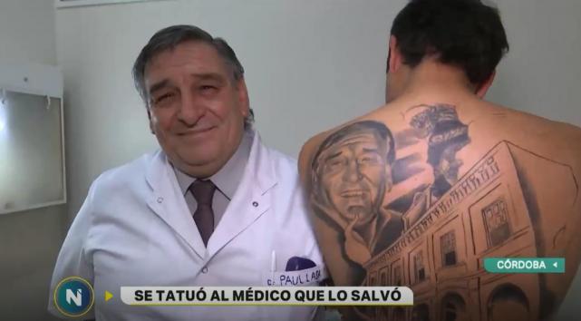 https: img.okeinfo.net content 2018 11 27 481 1983293 selamatkan-nyawanya-pasien-kanker-ini-bikin-tato-wajah-dokternya-di-punggung-kisahnya-bikin-haru-q6VGKgqF1y.jpg