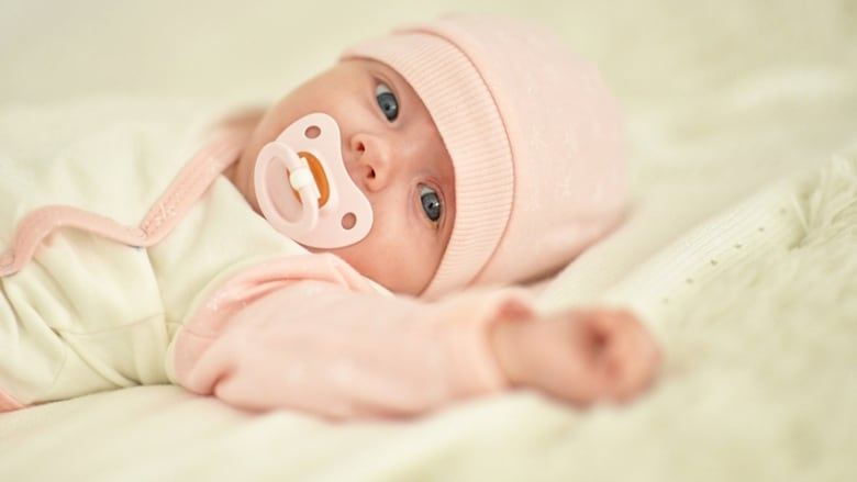 https: img.okeinfo.net content 2018 11 27 481 1983435 ilmuwan-china-klaim-telah-membuat-bayi-bayi-yang-diedit-secara-genetik-jsYY2PrO9S.jpg