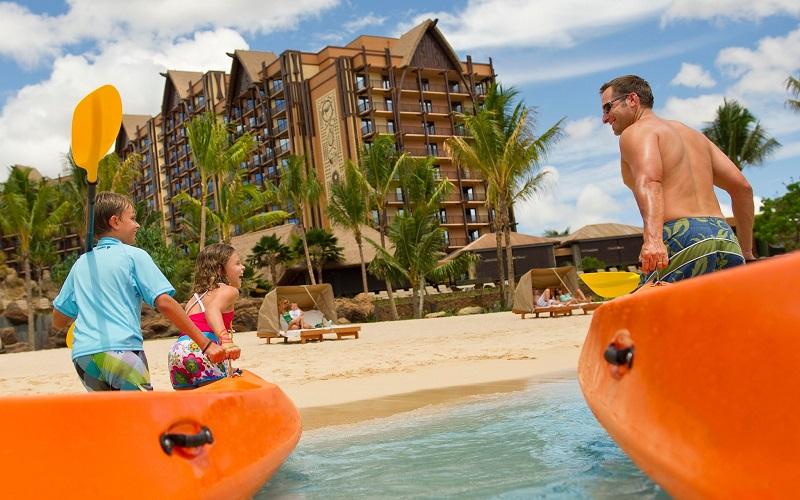 https: img.okeinfo.net content 2018 11 28 406 1983970 tidak-sembarangan-ini-trik-memilih-hotel-ideal-untuk-liburan-bareng-keluarga-vvQcV9MdjW.jpg
