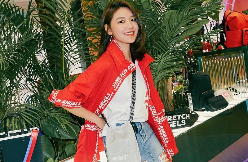 https: img.okeinfo.net content 2018 12 03 205 1986353 debut-solo-sooyoung-snsd-targetkan-rilis-single-desember-ini-4e7Lz5p77k.jpg