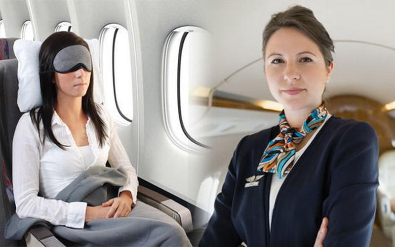 https: img.okeinfo.net content 2018 12 03 406 1986010 jadilah-penumpang-cerdas-ini-6-etika-wajib-anda-terapkan-dalam-pesawat-terbang-NXjY7QqHwX.jpg