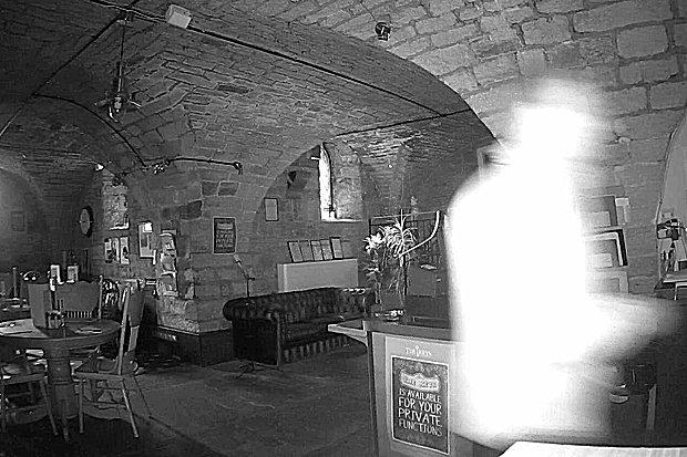 https: img.okeinfo.net content 2018 12 04 298 1986483 restoran-berusia-1-000-tahun-ini-dihuni-sosok-yang-sangat-menyeramkan-bagaimana-wujudnya-UnSsTjGev0.jpg