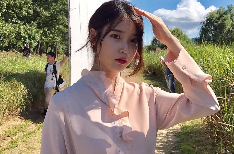 https: img.okeinfo.net content 2018 12 04 598 1986879 iu-pertimbangkan-bintangi-drama-baru-dari-hong-sisters-i2P0aXgzhX.jpg