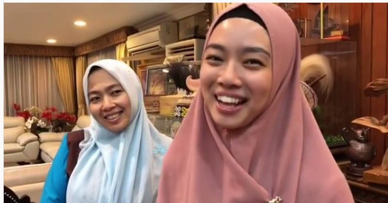 https: img.okeinfo.net content 2018 12 05 33 1986991 jadi-muallaf-ratu-wushu-lindswell-kwok-kenakan-hijab-syar-i-YKFkJt1KHv.jpg