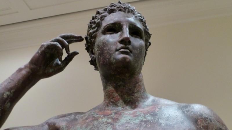 https: img.okeinfo.net content 2018 12 06 18 1987754 pengadilan-perintahkan-museum-as-kembalikan-patung-berusia-2-000-tahun-ke-italia-iODgzMqL11.jpg