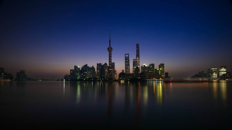 https: img.okeinfo.net content 2018 12 06 406 1987652 bukan-tokyo-atau-singapura-sekarang-shanghai-jadi-kota-termahal-termewah-di-asia-VJ9xbXOIWB.jpg