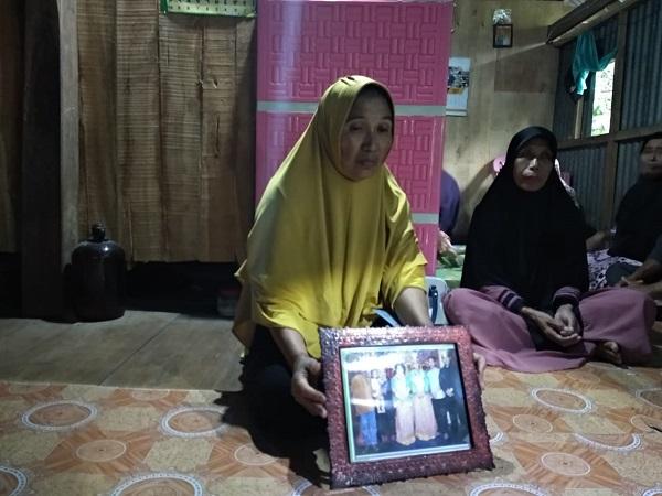 https: img.okeinfo.net content 2018 12 06 609 1987749 orangtua-agus-yakin-anaknya-selamat-dari-serangan-kkb-di-papua-UuMIO12Tlq.jpg