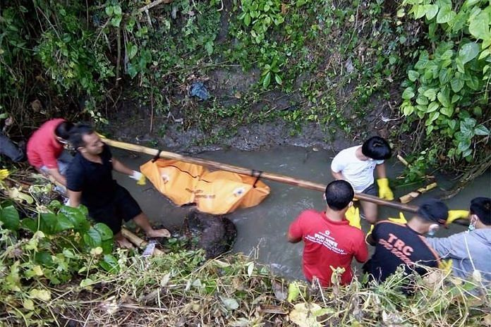 https: img.okeinfo.net content 2018 12 07 244 1988031 mayat-laki-laki-ditemukan-membusuk-di-sungai-uiTjXyvHSD.jpg